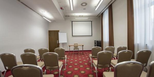 32_Hotel_Bristol_conferenceroom_03