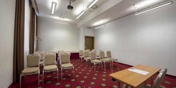 32_Hotel_Bristol_conferenceroom_05